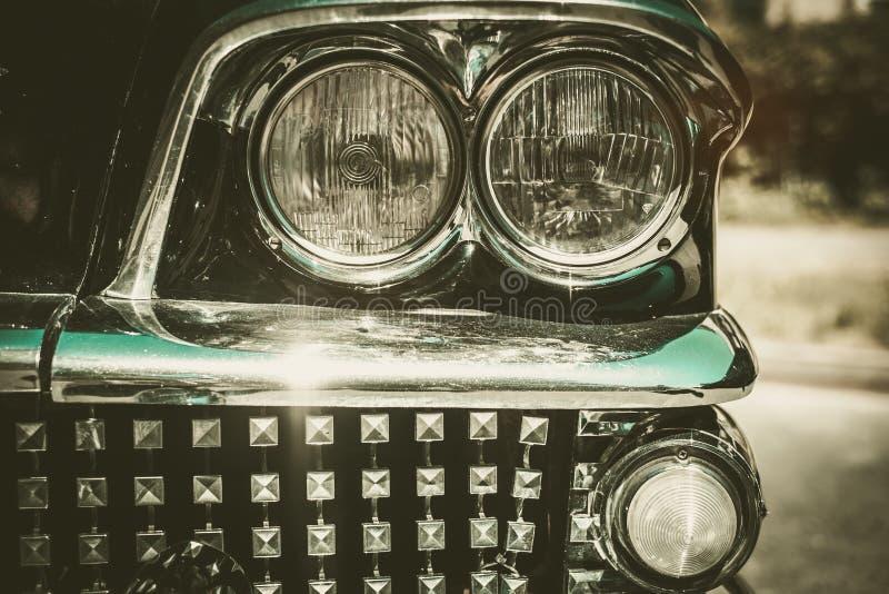 Zakończenie retro samochodowa część zdjęcia stock