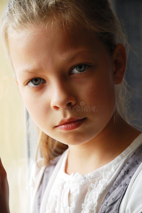 Zakończenie smutna nastoletnia dziewczyna. zdjęcia royalty free