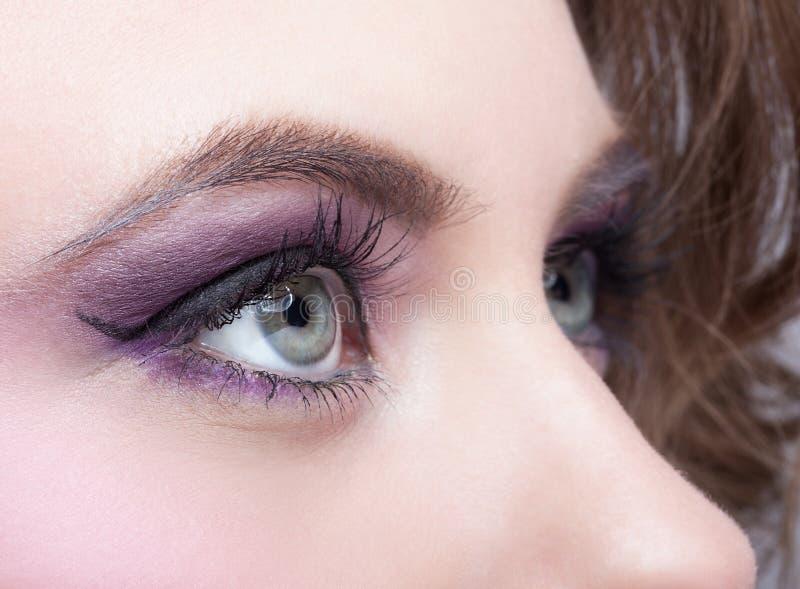Zakończenie strzał żeński oko makijaż fotografia stock