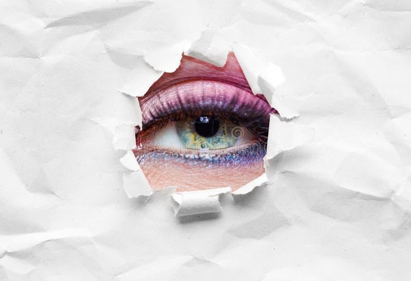 Zakończenie up żeński oko w arkanie fotografia stock