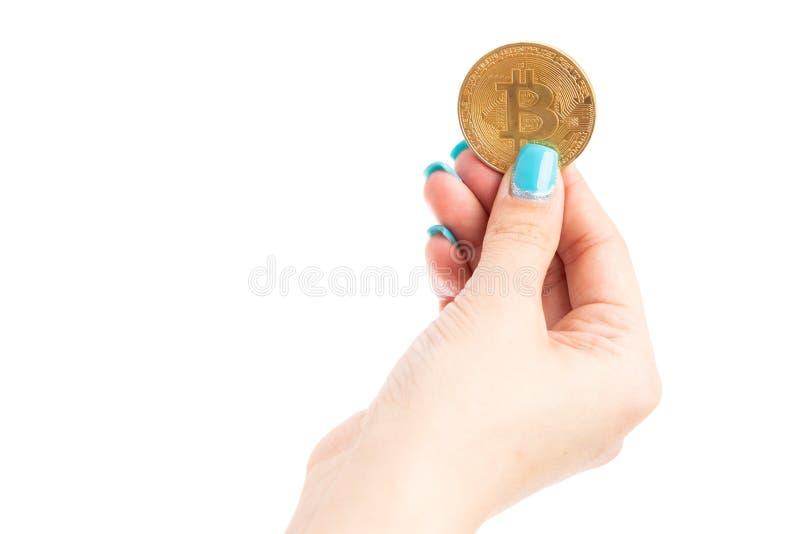 Zakończenie up młodej kobiety ręki mienia bitcoin symbol zdjęcia stock