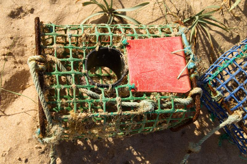 Zakończenie up na ręcznie robiony kraba oklepu na plaży zdjęcie stock