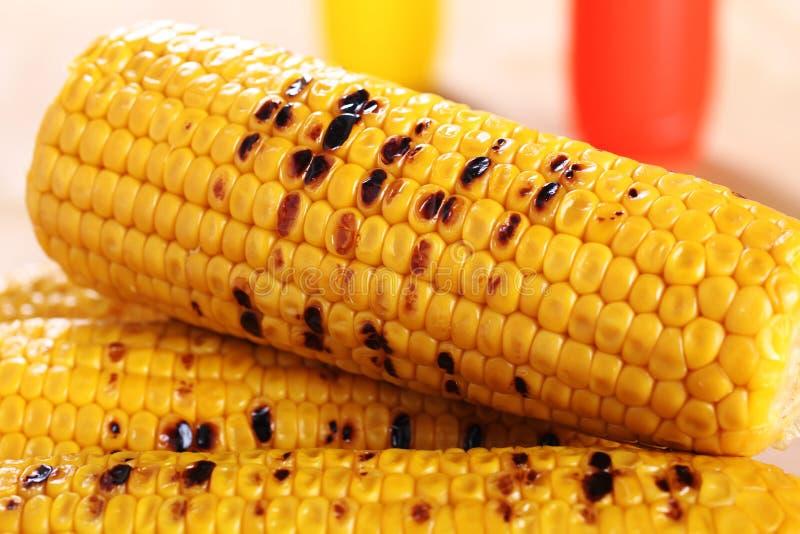 Piec na grillu kukurydzany cob zdjęcia stock