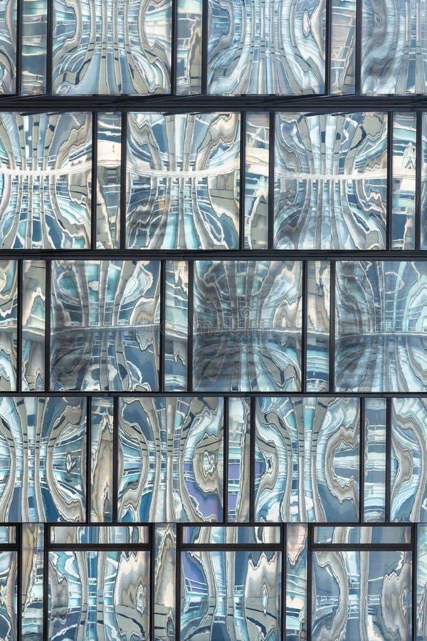 Zakończenie up Szklany struktura wzór w wysokim wzrosta budynku obraz royalty free