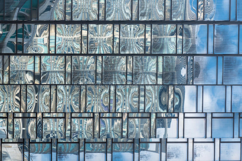 Zakończenie up Szklany struktura wzór w wysokim wzrosta budynku nowożytny budynek obraz stock