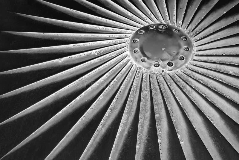 Zakończenie w górę abstrakcjonistycznych szczegółów kanalizacyjna nakrętka w Dinard France Czarny i biały przestawna fotografia obrazy stock