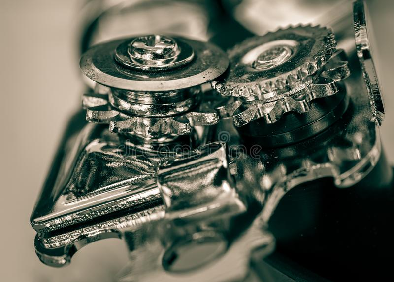 Zakończenie-w górę puszka otwieracz koło i mechanizm przeglądać od odgórny boczny kąt fotografia royalty free