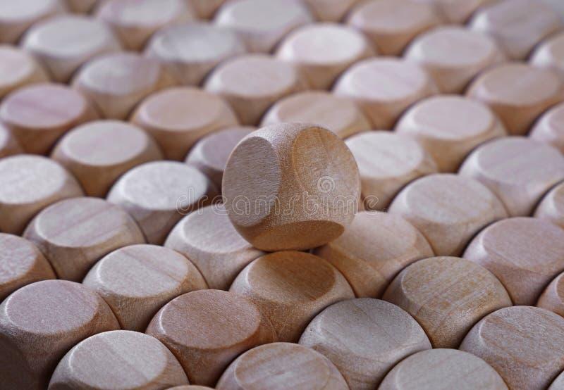 Zakończenie w górę tła drewniani kostka do gry kształtujący bloki zdjęcia royalty free