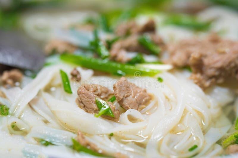 Zakończenie widok Wietnamska kluski polewka wymieniał Pho Pho jest sławnym jedzeniem w Wietnam zdjęcie royalty free