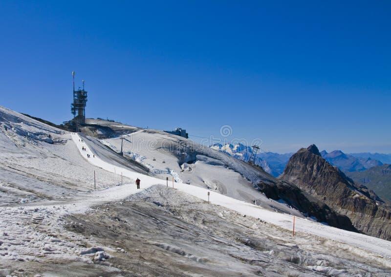 zakrywający góry śniegu titlis obrazy royalty free