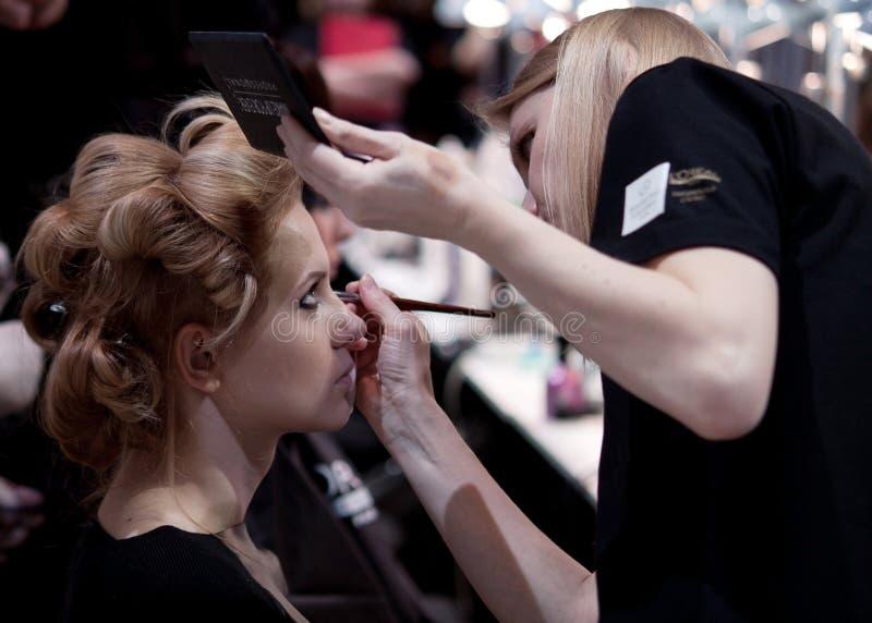 zakulisowy Makeup przed wybiegiem obrazy royalty free