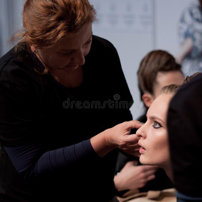 zakulisowy Makeup przed wybiegiem zdjęcie royalty free