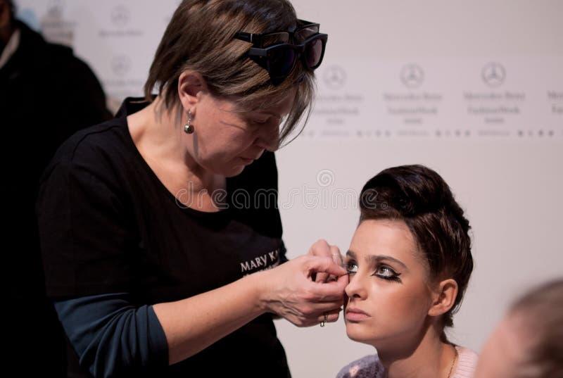 zakulisowy Makeup przed wybiegiem zdjęcia royalty free
