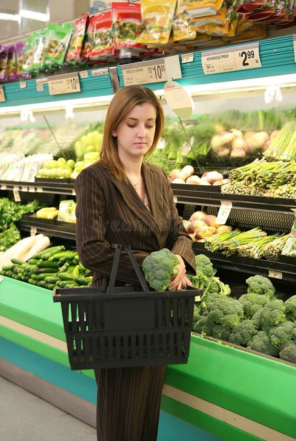 zakupy sklepu spożywczego kobieta zdjęcie stock