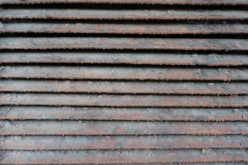 Zakurzony krakingowy i porysowany wentylaci grille zdjęcie royalty free