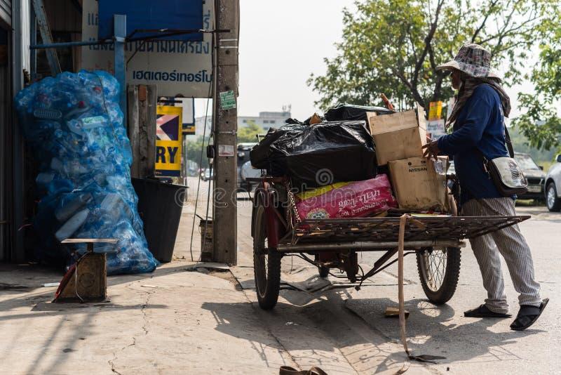 货物三轮车(沙令,Zaleng)购买未使用的项目 免版税库存图片