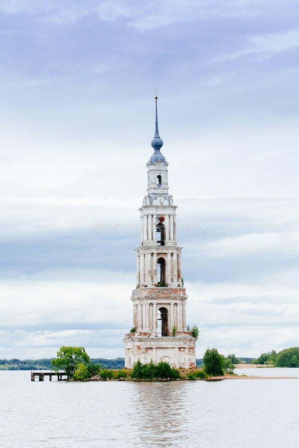 Zalewający dzwonkowy wierza St Nicholas katedra obrazy royalty free