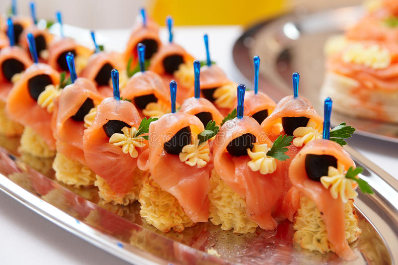 Zalm canapes royalty-vrije stock afbeelding