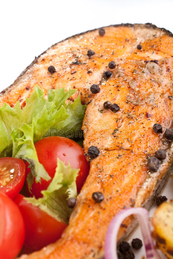 Download Zalm Met Groenten En Citroen Stock Foto - Afbeelding bestaande uit gezond, maaltijd: 10779146
