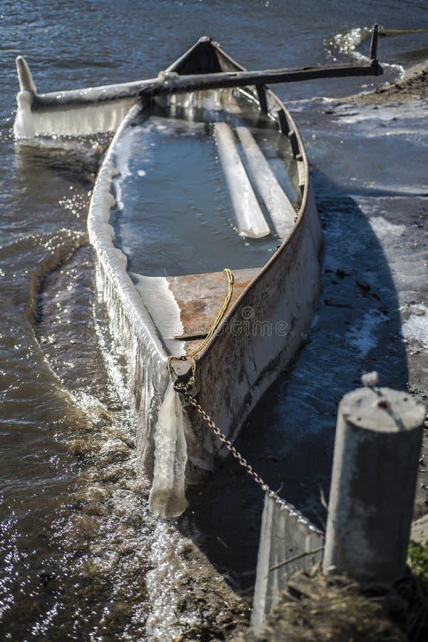 Zamarznięta łódź obraz stock