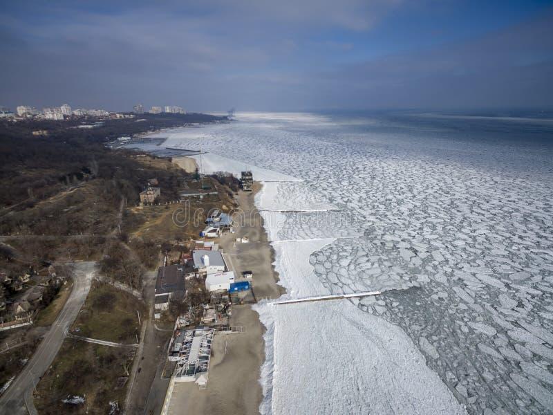Zamarznięty Czarny morze w Odessa Feb 2017 obrazy royalty free