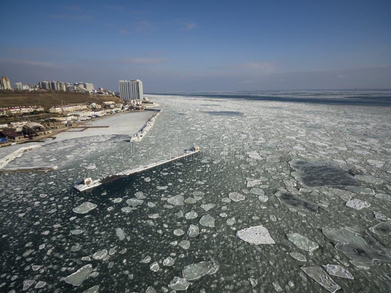 Zamarznięty Czarny morze w Odessa Ukraina zdjęcia royalty free