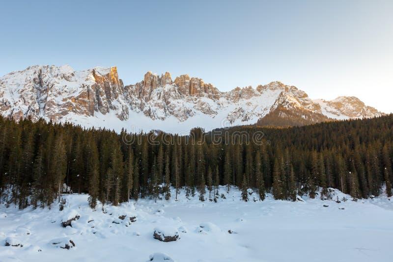 Zamarznięty jezioro, dolomity, Włochy, 2013 obraz royalty free