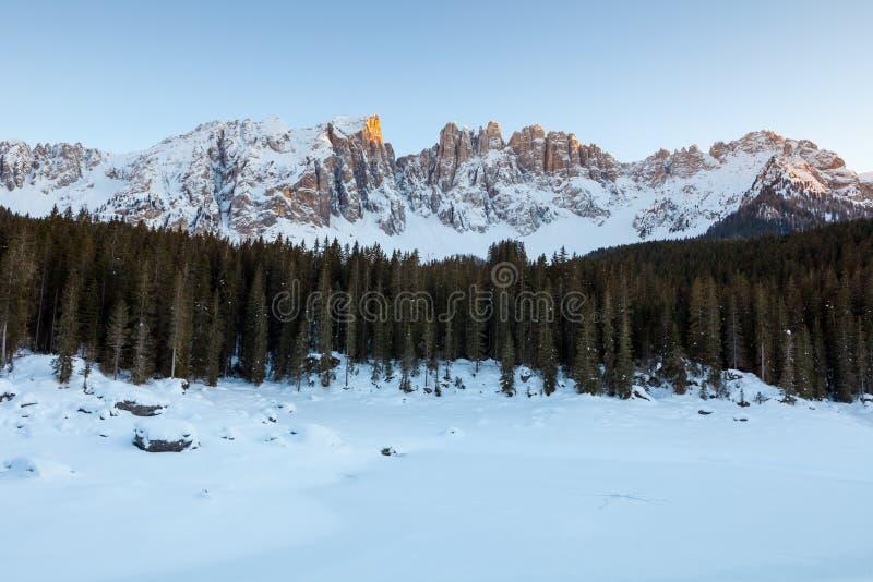 Zamarznięty jezioro, dolomity, Włochy, 2013 zdjęcie royalty free