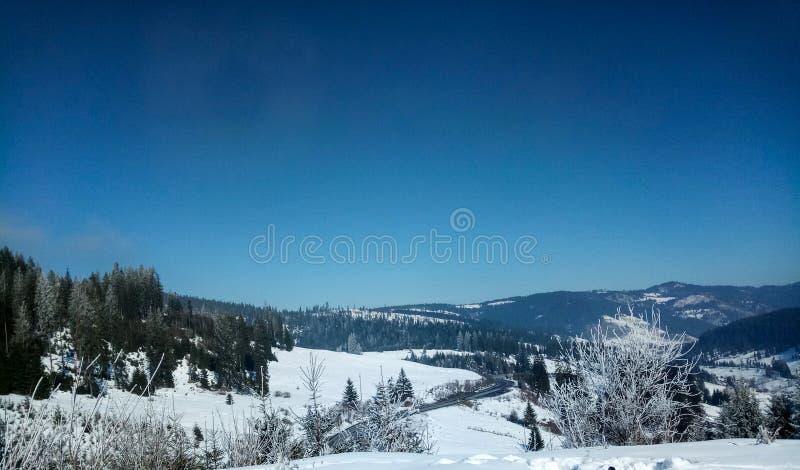 Zamarznięty krajobraz, Vatra Dornei zdjęcia stock