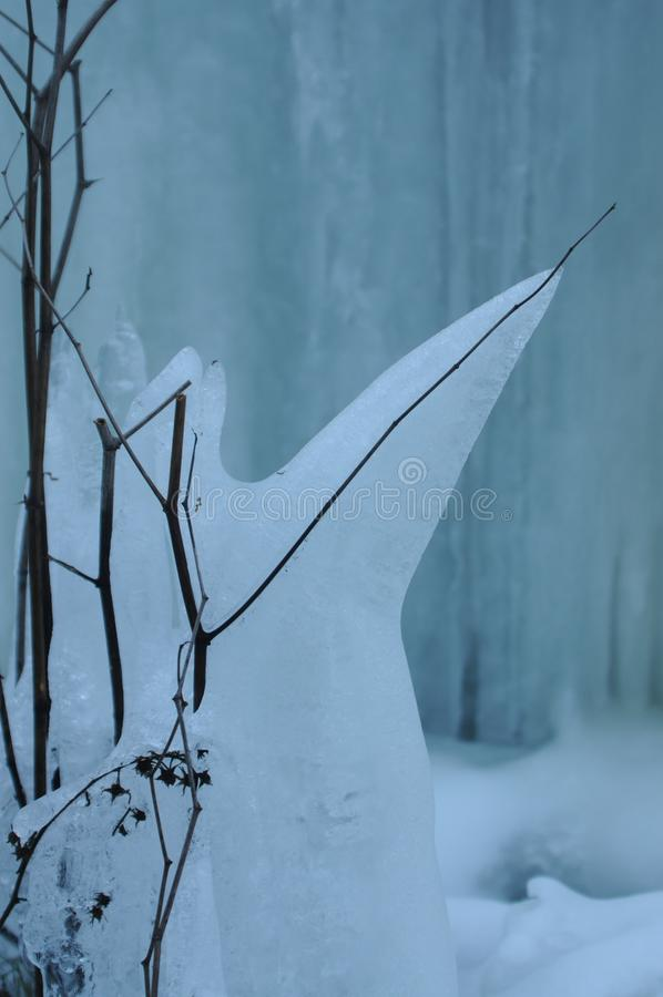 Zamarznięty siklawy zimy krajobrazu Brocken park narodowy Harz fotografia royalty free
