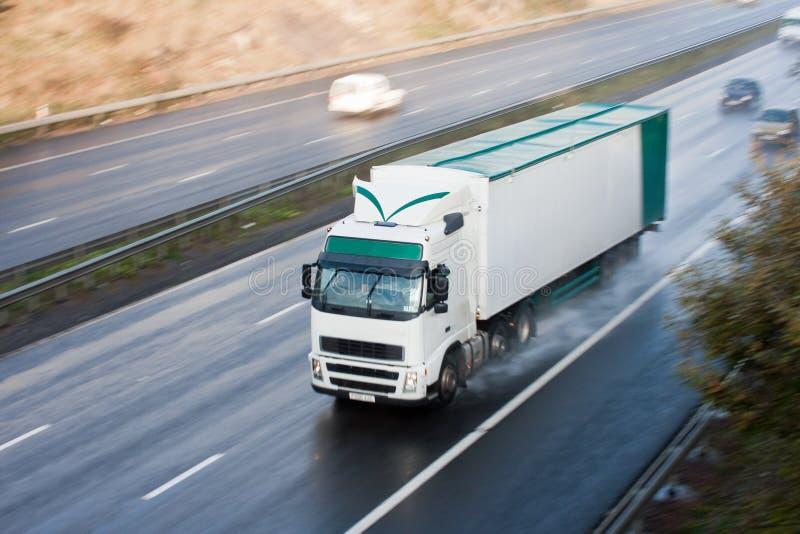 zamazana ruchu autostrady ciężarówka fotografia stock