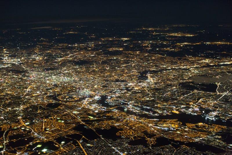 Zamazana zdolność widzenia w ciemnościach na Londyn - długi ujawnienie z odbiciami w okno obraz royalty free