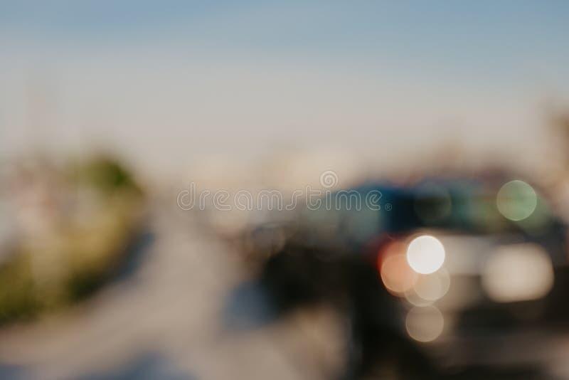 Zamazanego wizerunku samochodowy parking dla tła obraz royalty free