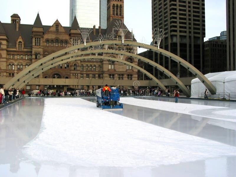 Zamboni sur la piste de patinage à Toronto image libre de droits