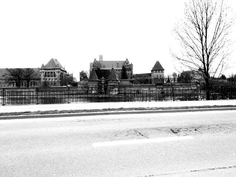 zamek średniowieczny Artystyczny spojrzenie w czarny i biały obraz stock