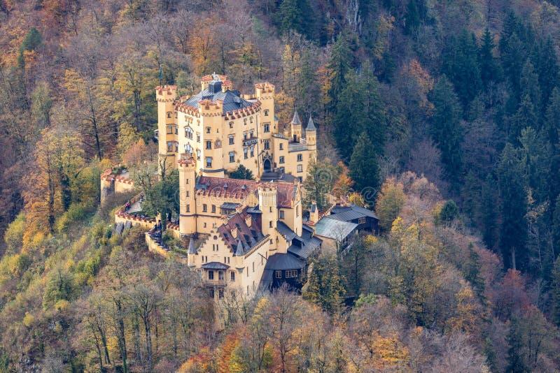 Zamek Hohenschwangau w alpach bawarskich zdjęcie stock