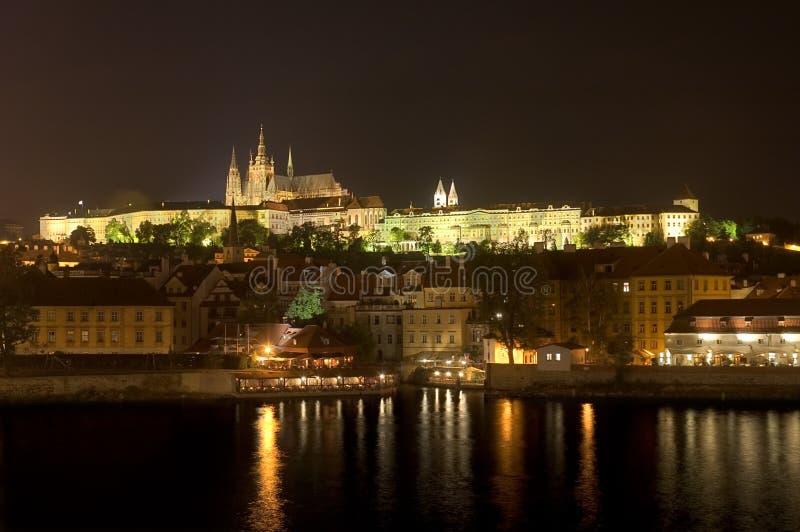 zamek katedralny nocy Prague vitus st. fotografia royalty free