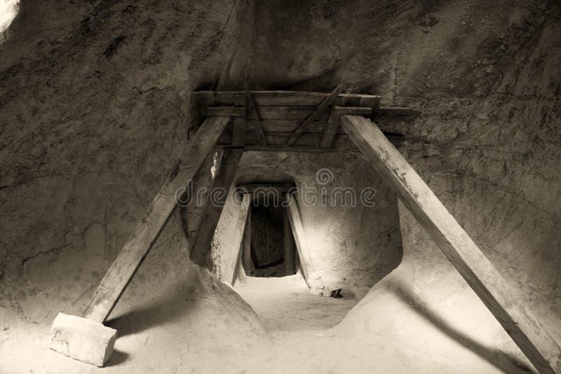 zamek pod ziemią zdjęcia stock