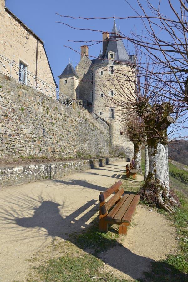 Zamek Sainte-Suzanne we Francji zdjęcia stock
