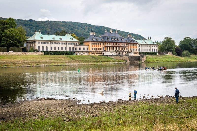 Zamek w Pillnitz niedaleko Elby w Niemczech obrazy royalty free