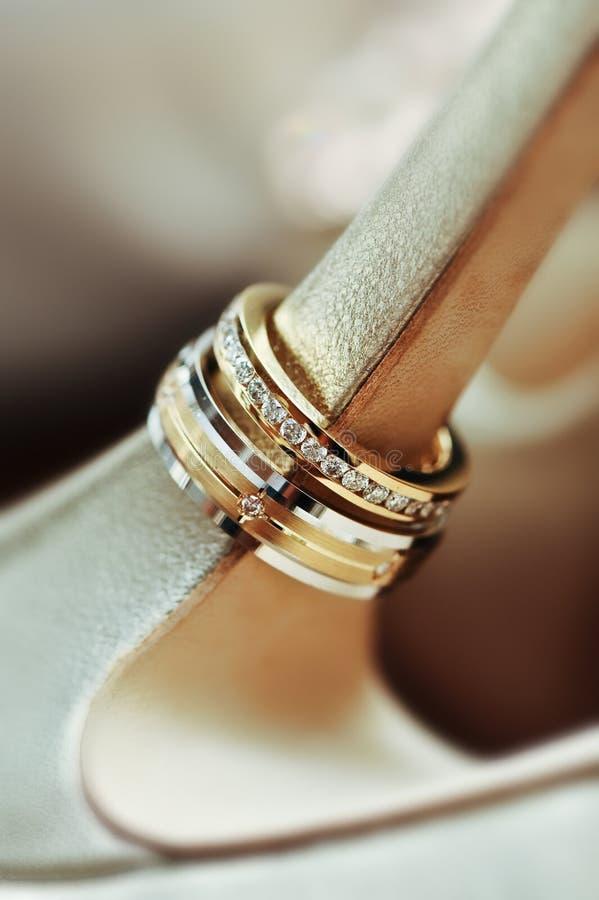 zamknięci pierścionki up ślub zdjęcie royalty free