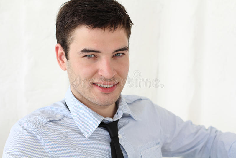 zamknięci przystojni mężczyzna up potomstwa zdjęcie stock