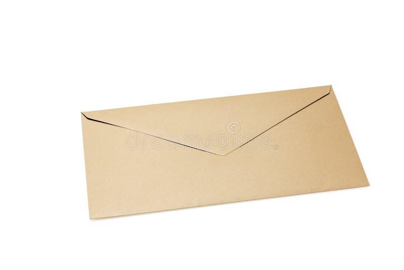 Zamknięta brąz koperta odizolowywająca na białym tle obrazy stock