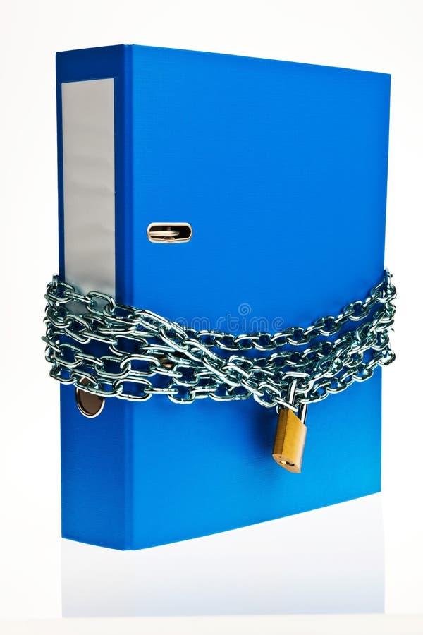 Zamknięta kartoteki falcówka z łańcuchem obraz stock