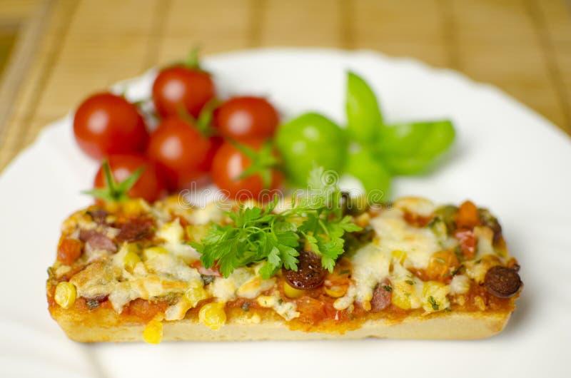 zamknięty zamknięta baguette pizza obraz royalty free