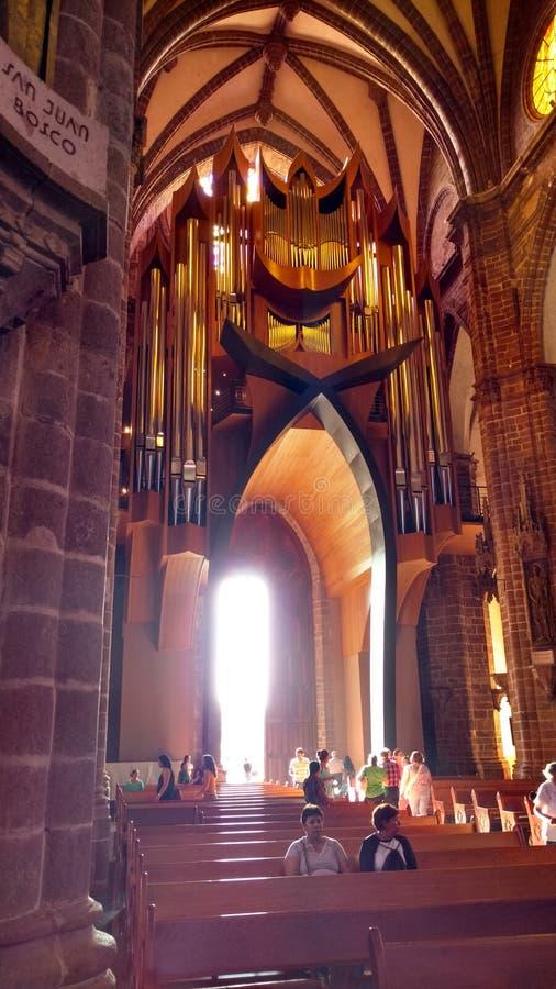 Zamora& x27; órgano de la iglesia de s imagenes de archivo
