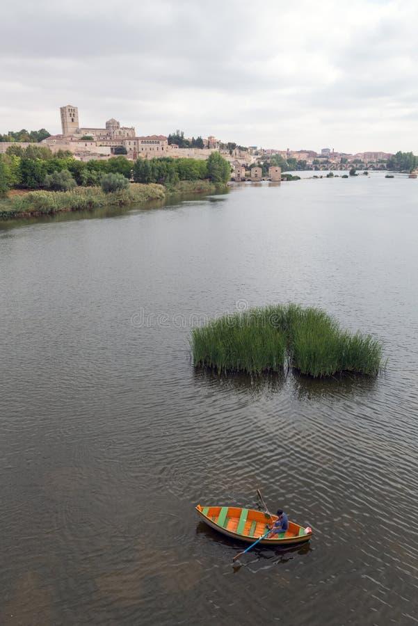 Zamora och Douro flod arkivfoto