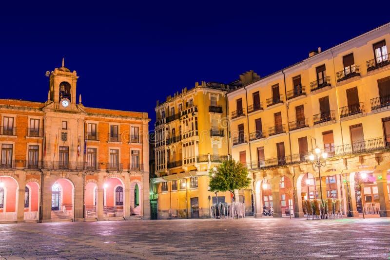 Zamora-Piazza-Bürgermeistersonnenuntergang in Spanien lizenzfreie stockfotografie