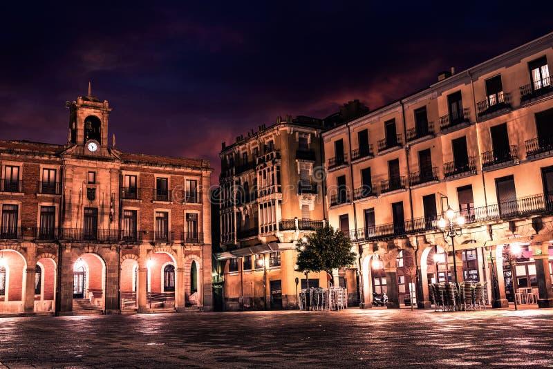 Zamora-Piazza-Bürgermeistersonnenuntergang in Spanien lizenzfreies stockfoto