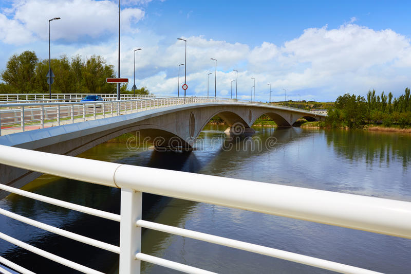 Zamora Poetas brug over de rivier Spanje van Duero royalty-vrije stock afbeeldingen